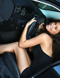 girl with sexy ass in car